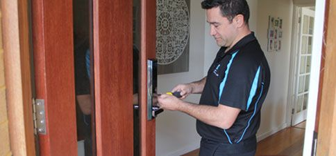 Perth Locksmith Dion at Work
